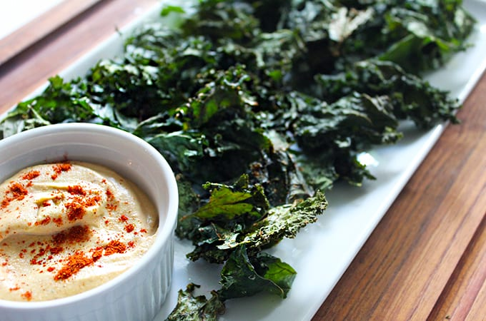 kale chips with cashew cream sauce