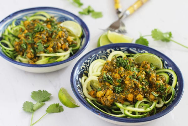 coconut chickpeas & spinach with zucchini noodles