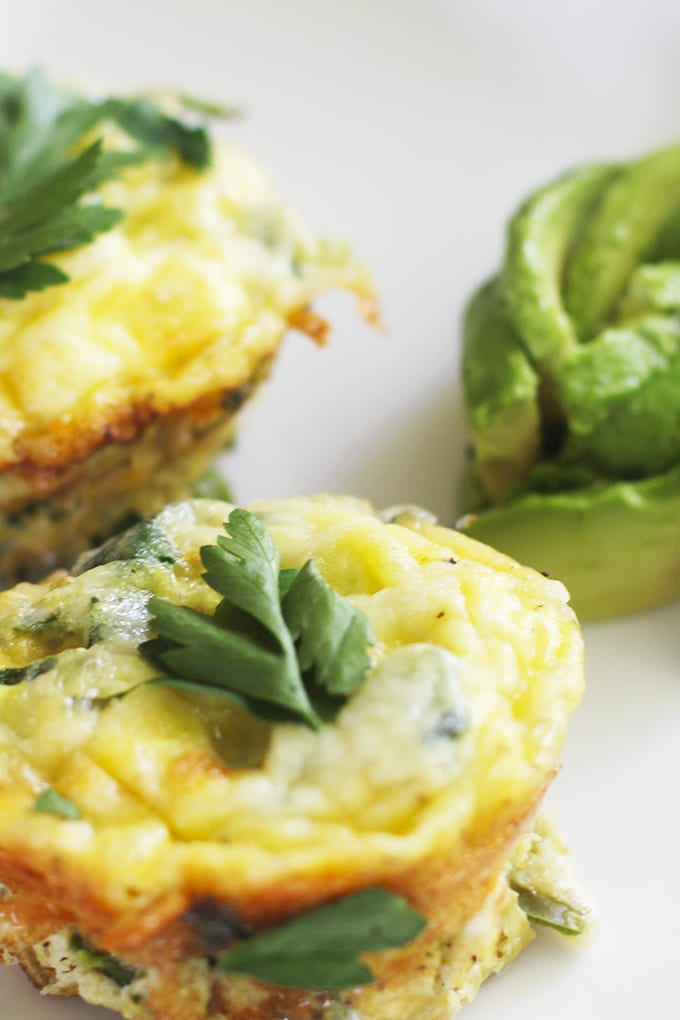 Do you have a hard time getting a nutritious breakfast on busy weekday mornings? Make these Clean Green Veggie Egg Muffins during meal prep to have on hand! | FitLiving Eats