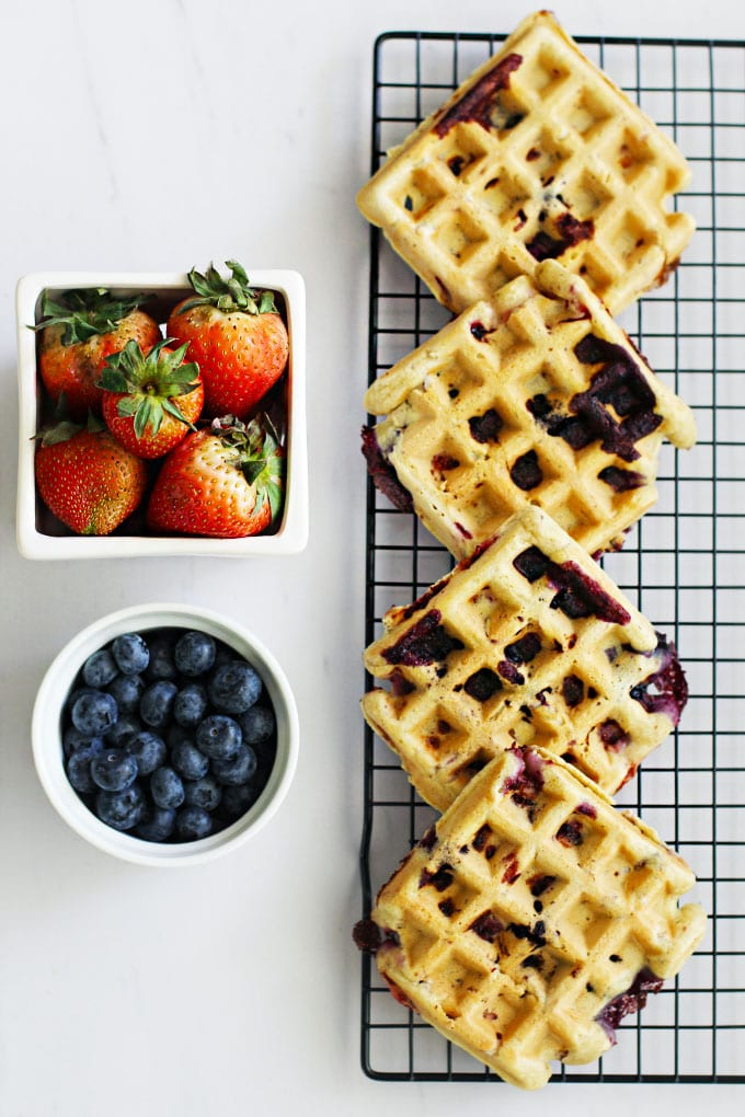 Gluten-Free Berry Almond Waffles with Berry Chia Jam for a lazy weekend brunch! || FitLiving Eats