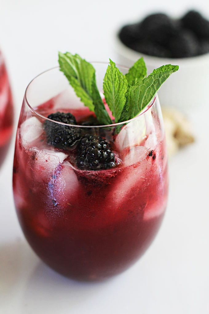 A refreshing and healthy Blackberry Mint Moscow Mule (mocktail or cocktail) with health-boosting ingredients!