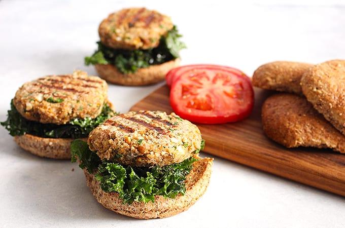 FitLiving-Eats-cauliflower-quinoa-burgers